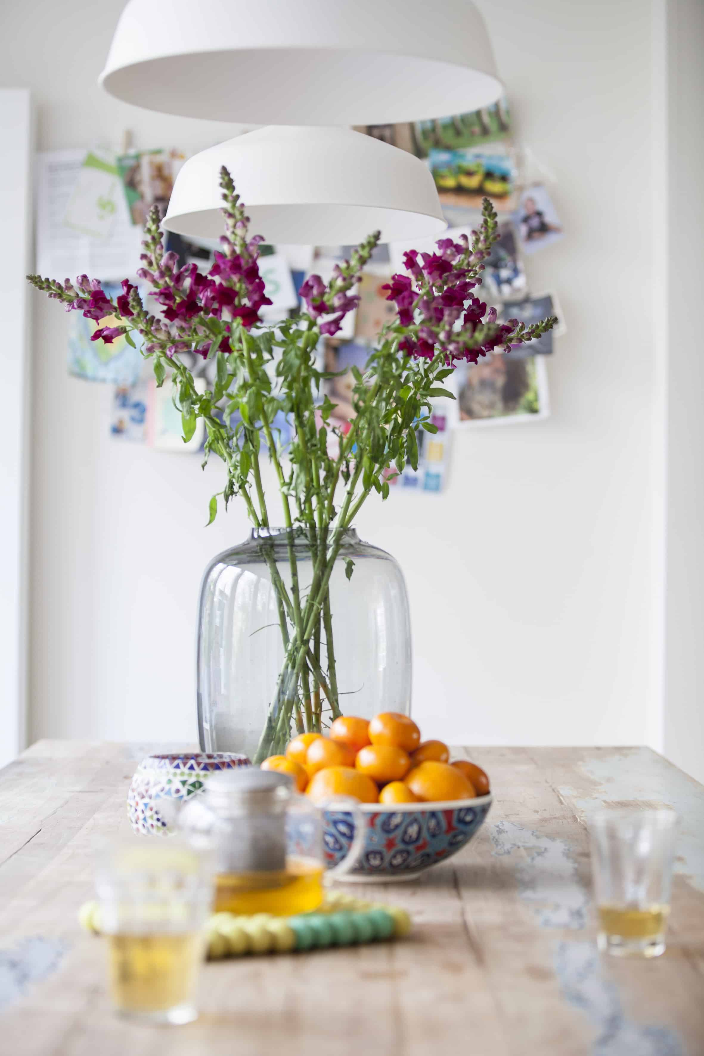 /Stylingklus bij Wouter en Fiona- tafereel keuken tafel